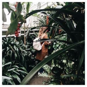 Annie in the urban jungle! urbanjungle urbanjunglebloggers plants botanical botanicalgarden
