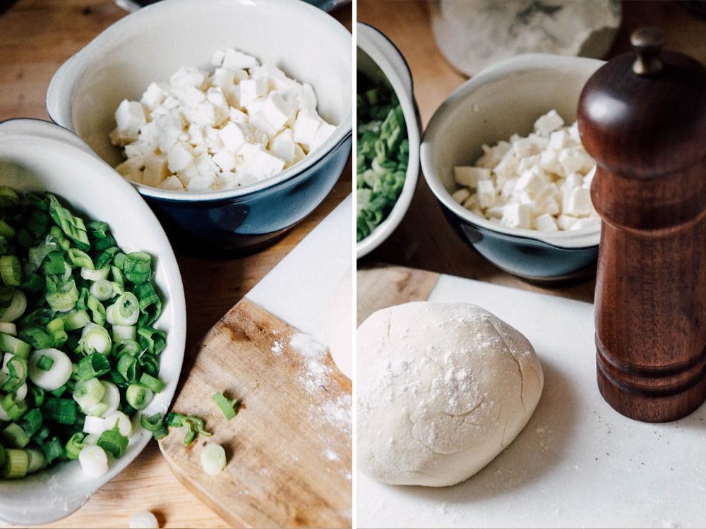 Flammkuchen Feta Lauch Frühlingszwiebeln Schafskäse vegetarisch