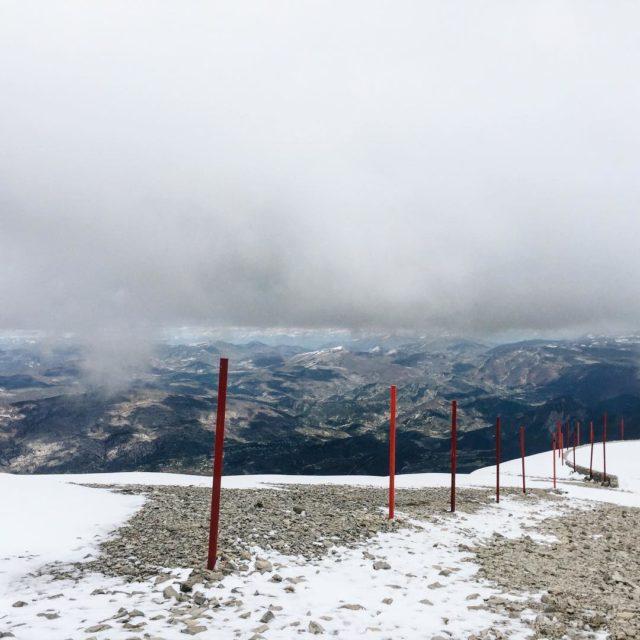 Die Wolken haben uns und den Mont Ventoux verschlungen undhellip