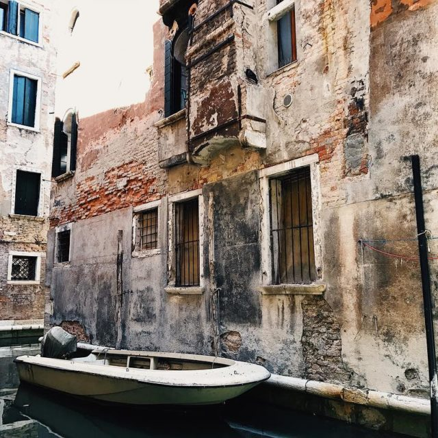 Walls walls walls in venezia venedig venice italy canalegrande gondolahellip